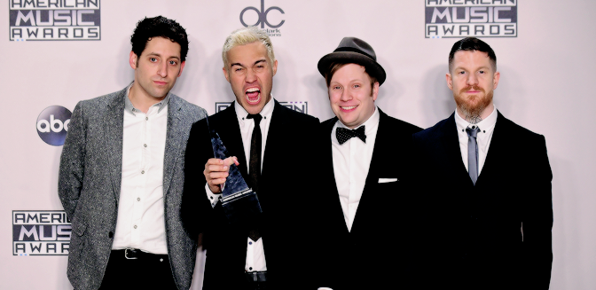 FALL OUT BOY GANA SU PRIMER AMERICAN MUSIC AWARD